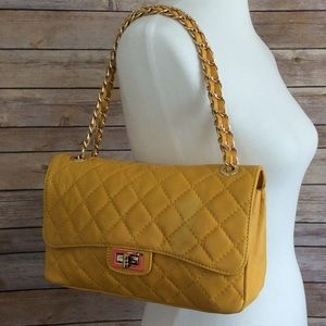 Handbags - Made In Italy 🇮🇹 Quilted Yellow Handbag NWT